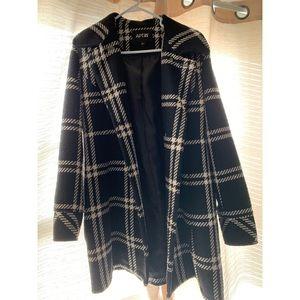 APT 9 Black & white knee length coat